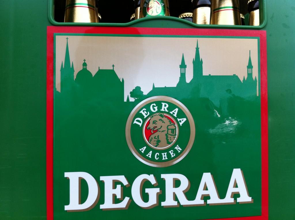 Eine Kiste DEGRAA gibts für 13,40 € zzgl. Pfand