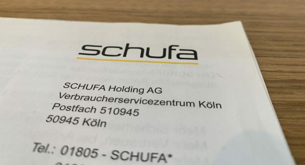 Bild eines Briefes mit schufa Logo